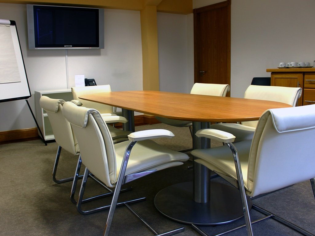 6 Man Meeting Room-1
