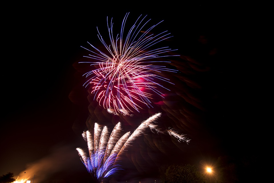 fireworks-1802065_960_720.jpg